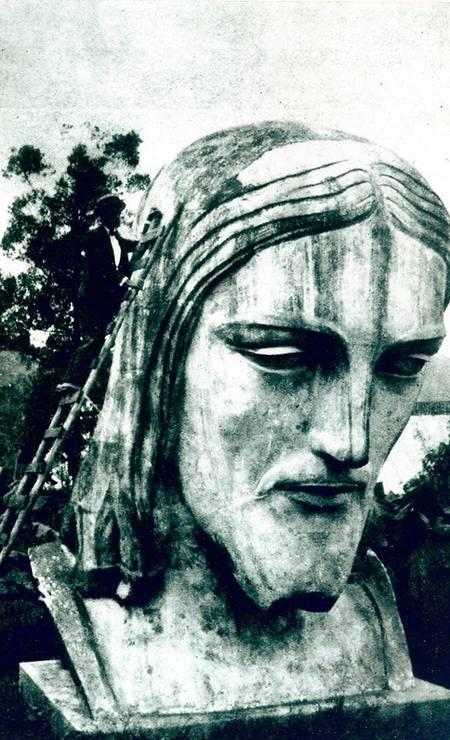 A cabeça da imagem foi montada em um sítio antes de ser levada para o Alto do Corcovado Foto: Divulgação