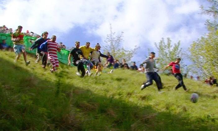 Ideia de jerico? A corrida de Cooper's Hill Foto: Reprodução