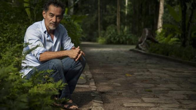 Chico Diaz, no Parque Lage: ator nasceu na Cidade do México e se mudou ainda jovem para o Jardim Botânico Foto: Adriana Lorete / Agência O Globo