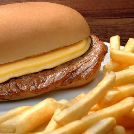 Campeão. O sanduíche de filé mignon pode contar com igredientes extras à escolha dos clientes. A partir de R$ 23,90 Foto: Divulgação/Bibi Sucos / Divulgação/Bibi Sucos