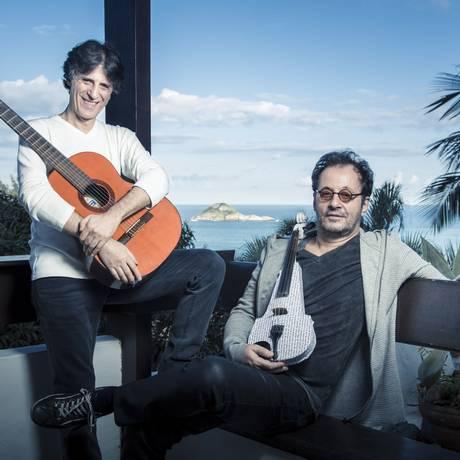 Dupla lança trabalho reunindo suas melodias a letras compostas por escritores Foto: Leo Martins / Agência O Globo
