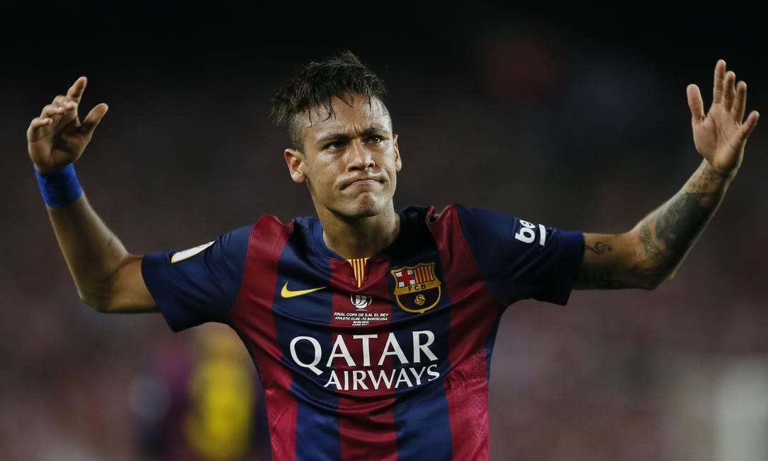 'Maestro' Neymar rege a torcida no Camp Nou Albert Gea / REUTERS