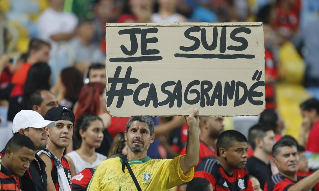 Torcedor rubro-negro homenageia Casagrande, internado em um hospital em São Paulo Alexandre Cassiano / Agência O Globo