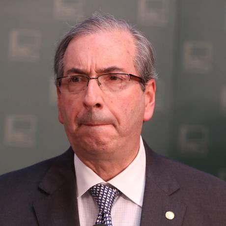 O presidente da Câmara dos Deputados, Eduardo Cunha (PMDB-RJ), durante entrevista sobre a votação da redução da maioridade penal no Salão Verde da Câmara Foto: Ailton de Freitas / Agência O Globo