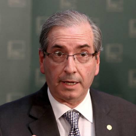 O presidente da Câmara dos Deputados, Eduardo Cunha (PMDB-RJ), durante entrevista sobre a votação da redução da maioridade penal Foto: Ailton de Freitas / Agência O Globo