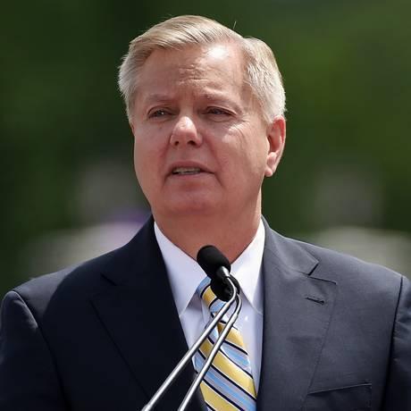 Senador da Carolina do Sul, Lindsey Graham anuncia candidatura republicana na pré-campanha presidencial dos Estados Unidos de 2016 Foto: AP / Rainier Ehrhardt