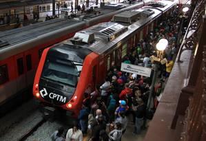O esquema atingiu projetos do metrô paulista e da Companhia Paulista de Trens Metropolitanos (CPTM) Foto: Marcos Alves / Agência O Globo 01/06/2015