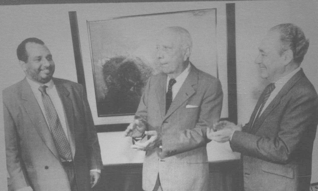 Moreno (à esquerda), com Ulysses Guimarães e Waldir Pires: histórias de vida Foto: Josemar Gonçalves/7-6-1983