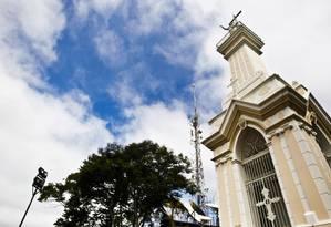 Morro do Cristo ganhou nova iluminação e pintura, além de serviços de poda e limpeza Foto: Guilherme Leporace / Agência O Globo