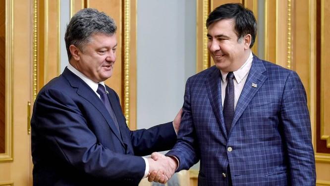 Poroshenko e Saakashvili têm uma grande característica em comum: rechaço à Rússia Foto: MYKOLA LAZARENKO / AFP