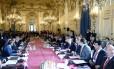 Ministros de Relações Exteriores e os membros da coalizão contra o Estado Islâmico se encontram em Paris para discutir a estratégia na luta contra os jihadistas no Iraque e na Síria