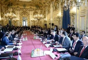 Ministros de Relações Exteriores e os membros da coalizão contra o Estado Islâmico se encontram em Paris para discutir a estratégia na luta contra os jihadistas no Iraque e na Síria Foto: STEPHANE DE SAKUTIN / AFP