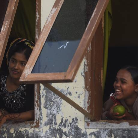 Imigrantes rohingyas são vistos em um abrigo temporário em Kuala Cangkoi, na província de Aceh, na Indonésia Foto: ANTARA FOTO / REUTERS