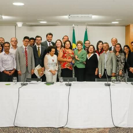 Dilma se reúne com integrantes do Conselho Nacional dos Direitos da Criança e do Adolescente