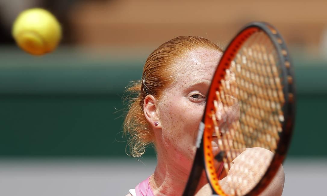 A belga Alison van Uytvanck perdeu para a suíça Timea Bacsinszky por 6-4 e 7-5 Francois Mori / AP