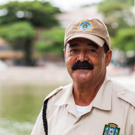 Simpatia do agente pode ser vista diariamente pelas ruas da Urca Foto: Bárbara Lopes
