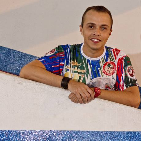 Carnavalesco. Marcus Ferreira chega com o enredo 'Corações Mamulengos' Foto: Bia Guedes / Agência O Globo