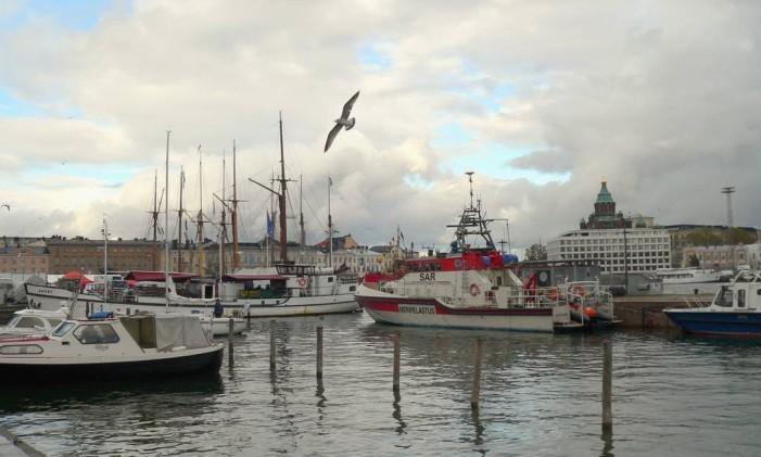 Barcos em Helsinki, na Finlândia Foto: Cora Rónai / Agência O Globo