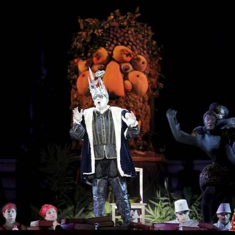 O contratenor Alon Harari durante ensaio da ópera Carmina Burana Foto: AMMAR AWAD/REUTERS