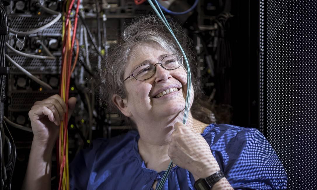 """Pioneira da internet, a cientista da computação americana odeia tecnologia e aposta na simplicidade: """"Nunca vi um engenheiro que de fato entendesse o ser humano"""" Foto: Leo Martins / Agência O Globo"""