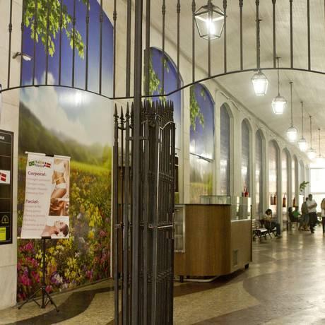 A galeria Amsterdam tem apenas sete estabelecimentos comerciais e fica na Rua Moreira César 126 Foto: Bia Guedes