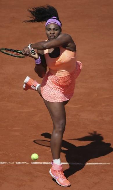 Serena Williams conseguiu se reencontrar no jogo, dominando Safarova David Vincent / AP