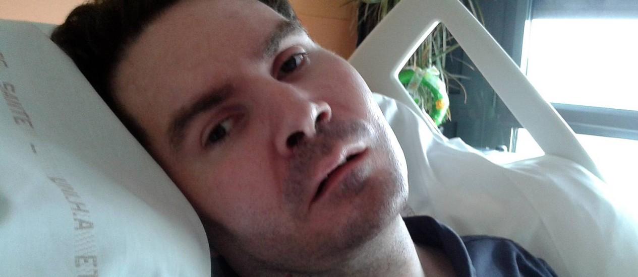 """Foto tirada no último dia 3 de junho e divulgada pela família de Vincent Lambert mostra o francês, quadriplégico e em estado vegetativo, mantido vivo com a ajuda de aparelhos num hospital em Reims: Corte de Direitos Humanos da Europa permitiu desligamento dos equipamentos numa forma de eutanásia """"passiva"""" Foto: AFP/Cortesia da família"""