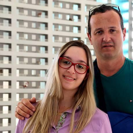 Imóvel próprio. Eliezer Santana e a filha, Aline, compraram apartamentos novos na região de São Bernardo do Campo Foto: Fernando Donasci / Fernando Donasci