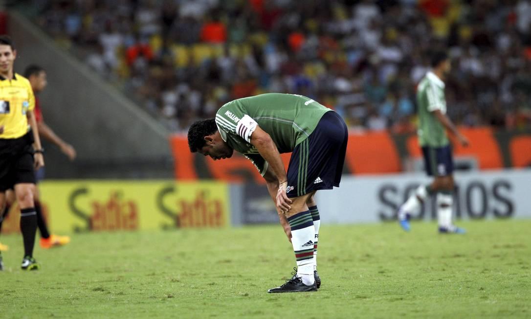 Fred sentiu lesão no fim do primeiro tempo contra o Sport e foi substituído no intervalo Cezar Loureiro / Agência O Globo