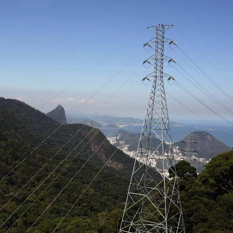 Linhas elétricas. Entre leilões previstos até dezembro, quatro serão na área de transmissão, mas isso não significa preço menor Foto: Custódio Coimbra/22-6-2009