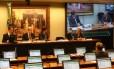 CPI da Petrobras ouve depoimento de servidores da Petrobras