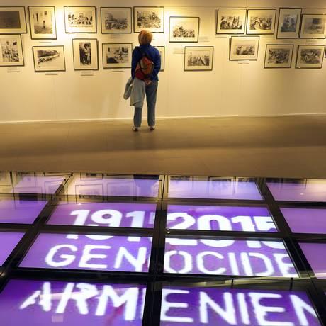 Exposição na cidade francesa de Marselha sobre a morte de armênios na Turquia Foto: BORIS HORVAT / AFP