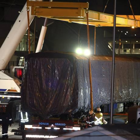 Vagão novo da Linha 4 no momento do desembarque no Porto Foto: Thiago Lontra / Agência O Globo