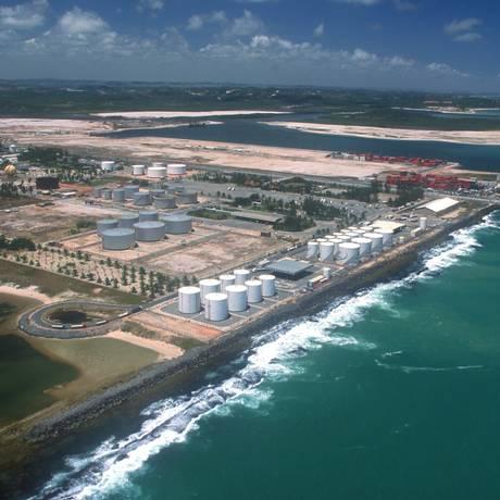 Vista aérea do Porto de Suape, no litoral Sul de Pernambuco Foto: Hans Von Manteuffel / Hans Von Manteuffel