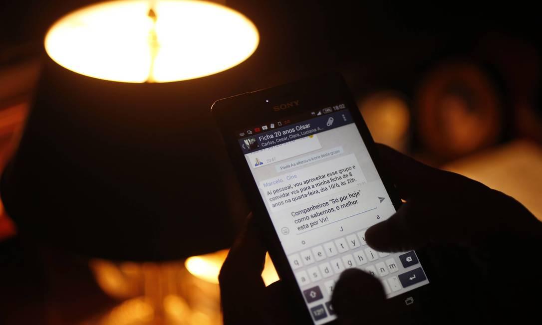 Hoje, com a vida reformada, d'Aguiar trabalha no projeto social Yoga na Laje, na Rocinha, que fundou para oferecer aulas gratuitas à comunidade, e vai aos encontros uma vez ao dia. O restante do tempo, ele passa conectado aos grupos do AA que frequenta, no Leblon e em Ipanema, por meio das redes sociais Domingos Peixoto / Agência O Globo