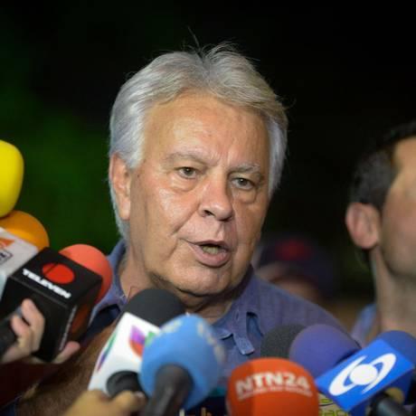 Ex-primeiro-ministro espanhol, Felipe González, na chegada para uma reunião com o ex-prefeito Antonio Ledezma Foto: FEDERICO PARRA / AFP