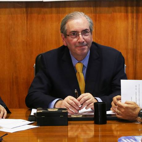 Eduardo Cunha: 'É um aumento de oito para nove anos e apenas como regra de transição' Foto: Ailton de Freitas / Agência O Globo