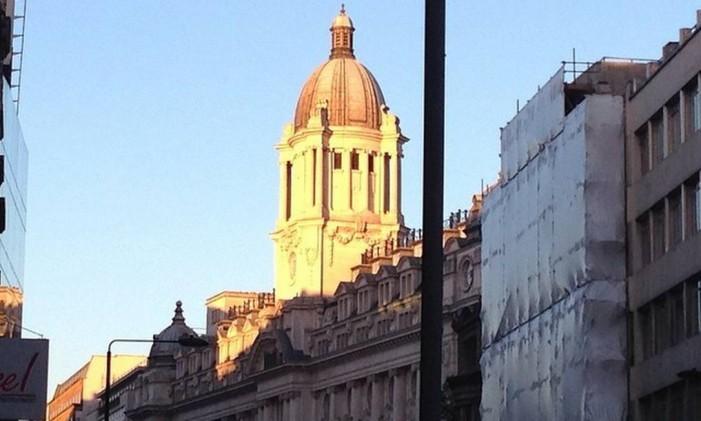 Nascer do Sol, em Londres Foto: @isalucc / Instagram