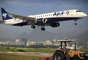 Avião da Azul pousa no aeroporto Santos Dumont Foto: Dado Galdieri/31-3-2015 / Bloomberg News