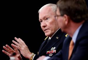 O Chefe de estado-Maior, Martin E. Dempsey, descreveu uma possível campanha que implicaria a criação de bases americanas em todo o Iraque Foto: Andrew Harnik / AP