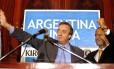 O candidato e futuro presidente Néstor Kirchner, à esquerda, e Daniel Scioli, em comício em 2003: vice-presidente até 2007