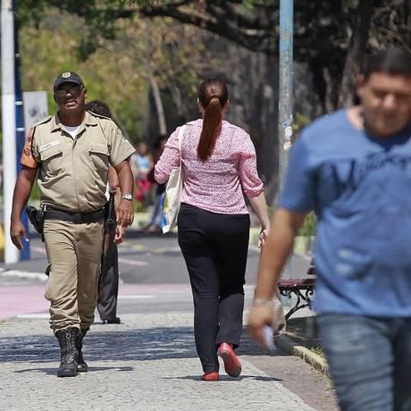 Projeto de lei pretende manter guardas municipais desarmados Foto: Márcio Alves / Agência O Globo/12-11-2014