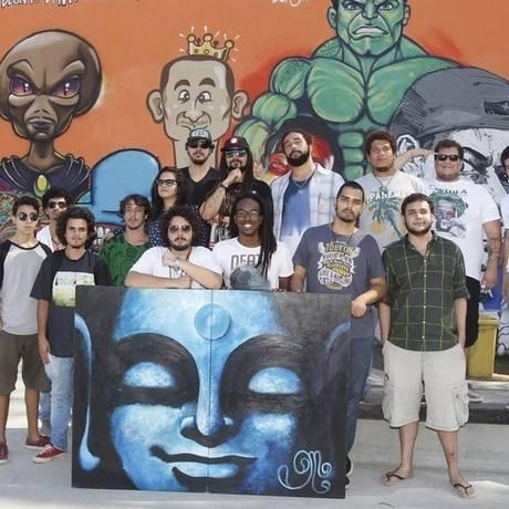 Produtores e músicos dos mais variados gêneros se reúnem em prol da cena artística independente Foto: Eduardo Naddar / Eduardo Naddar