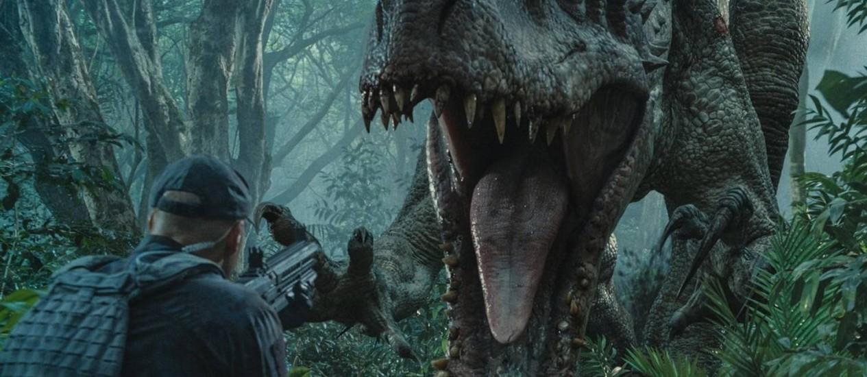 Cientistas do parque 'Jurassic World' criam dinossauro mortífero a partir da mistura do DNA de outros grandes répteis Foto: Divulgação