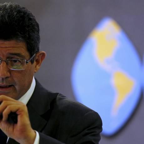 'Não adianta subir os juros se vem alguém e expande o crédito', reclmou o ministro Foto: PAULO WHITAKER / REUTERS