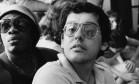 O jornalista, escritor e compositor Fernando Brant, com o parceiro Milton Nascimento ao lado, em 1980 Foto: Agência O Globo
