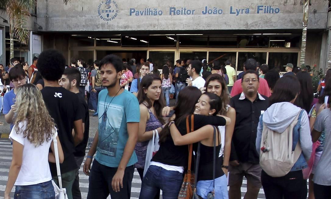 Concentração antes do início do vestibular Gabriel de Paiva / Agência O Globo