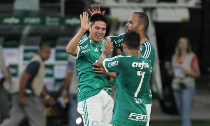 EXCLUSIVO: Atacante sente lesão, não deve jogar e Verdão soma quatro desfalques contra o Cruzeiro