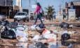 À espera do governo: Na Sol Nascente, segunda maior favela do país, esgoto e lixo a céu aberto, enquanto verba não é liberada