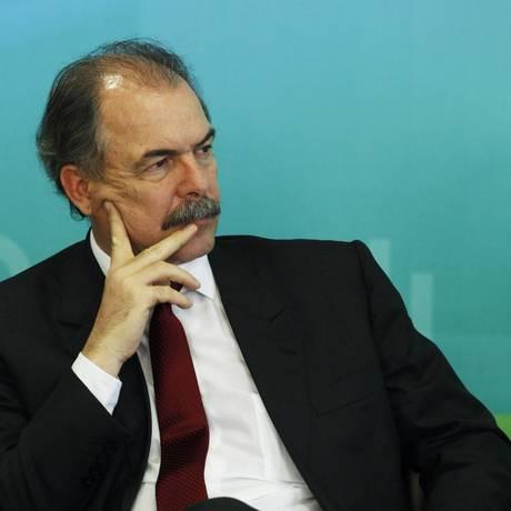 O ministro-chefe da Casa Civil, Aloísio Mercadante Foto: Jorge William / Agência O Globo